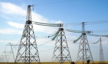 Эстония и Латвия решили обложить пошлинами дешевое электричество из России